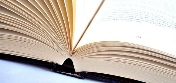 Book Open 580×275